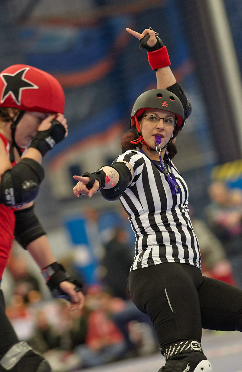 X Con-vick reffing for Leeds Roller Dolls